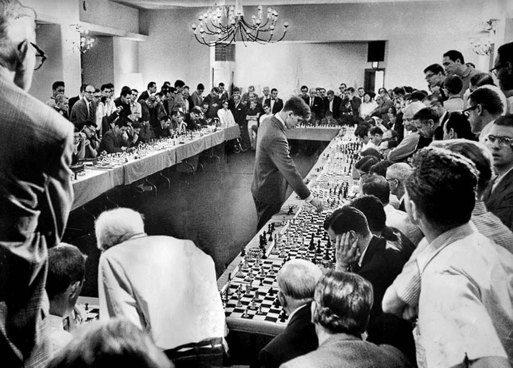 Simul IRL with Bobby Fischer